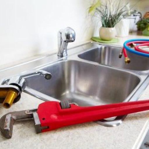 remplacer un robinet de cuisine