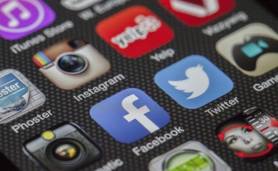 Que faire des comptes de réseaux sociaux d'une personne décédée ?