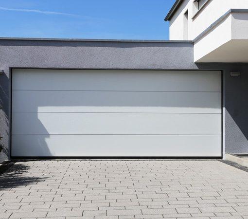 Portes de garage en bois ou en acier quelle est la meilleure