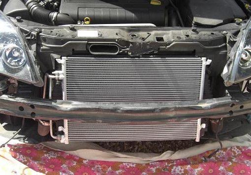 Comment changer le condenseur de climatisation d'une voiture