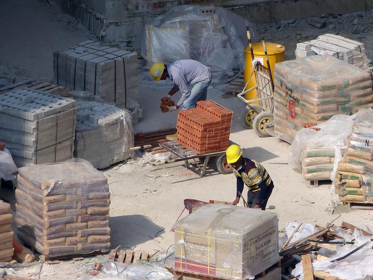 des professionnels du bâtiment pour son chantier